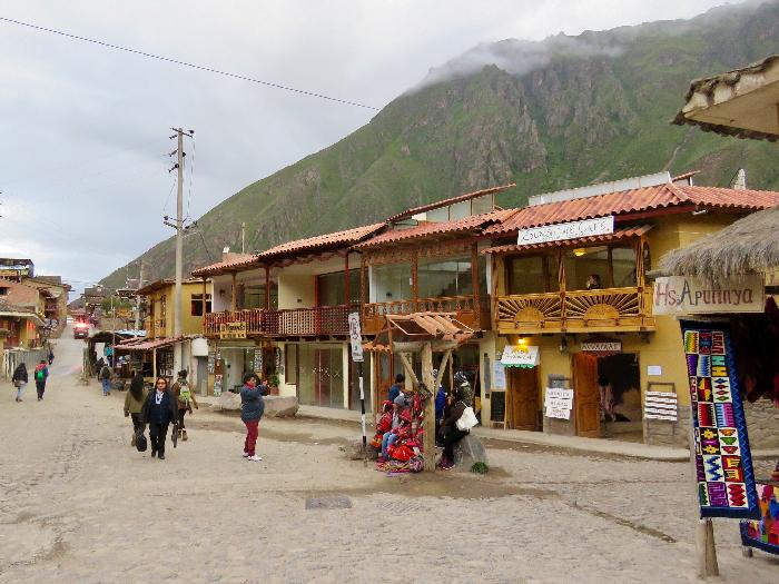 Shopping in Ollantaytambo