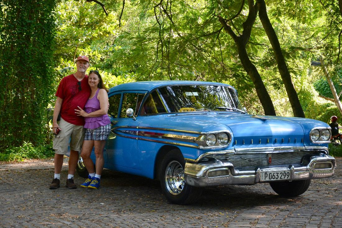 With an Oldsmobile at Bosque de La Habana (photographed by Yosel Vazquez)