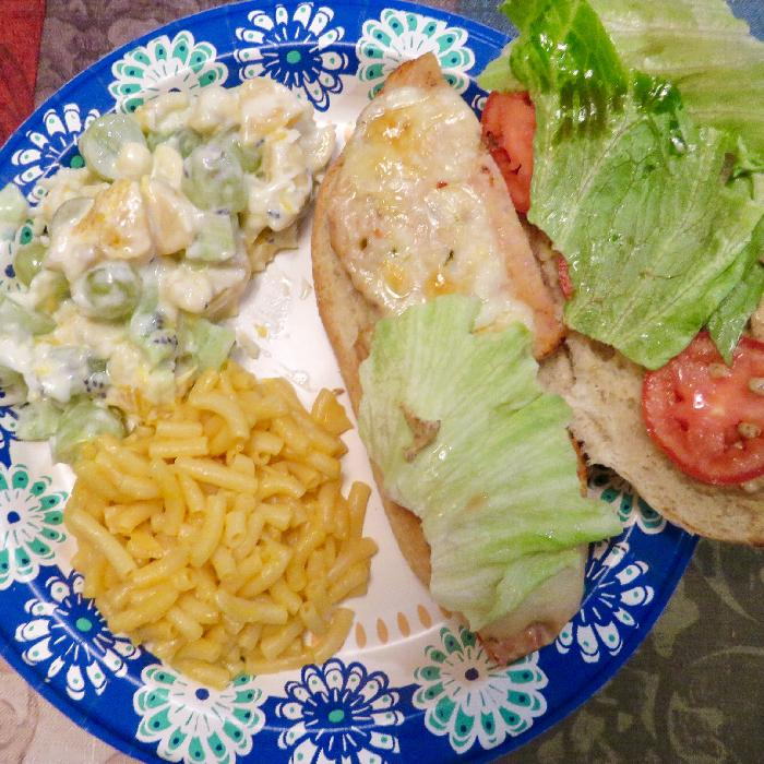 Charbroiled Chicken Burgers with Mac 'n Cheese & Fruit Salad