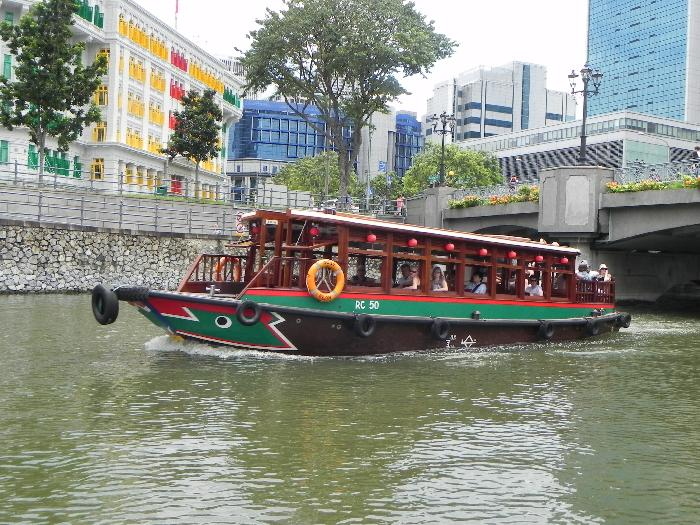 Bumboat Cruising along the Singapore River