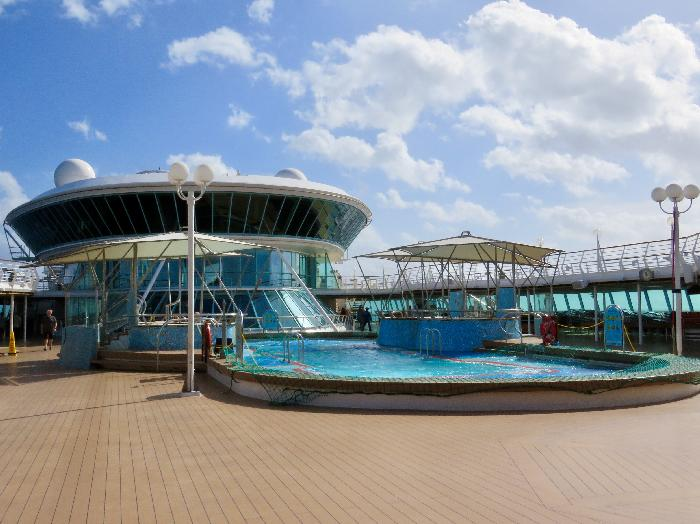 Deck 9 - Main Pool and Whirlpools on Disembarkation Day
