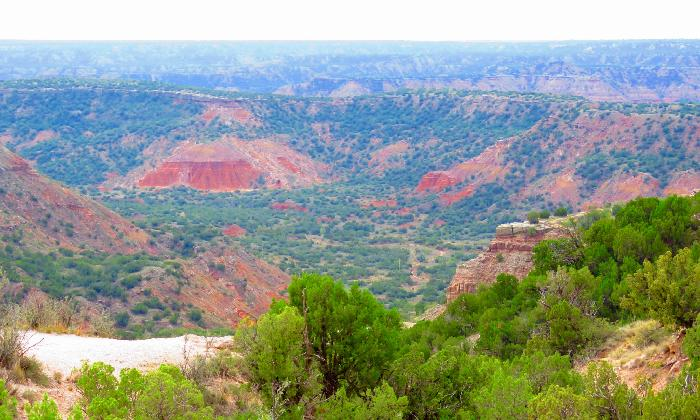 Scenery along Park Road 5 in Palo Duro Canyon State Park