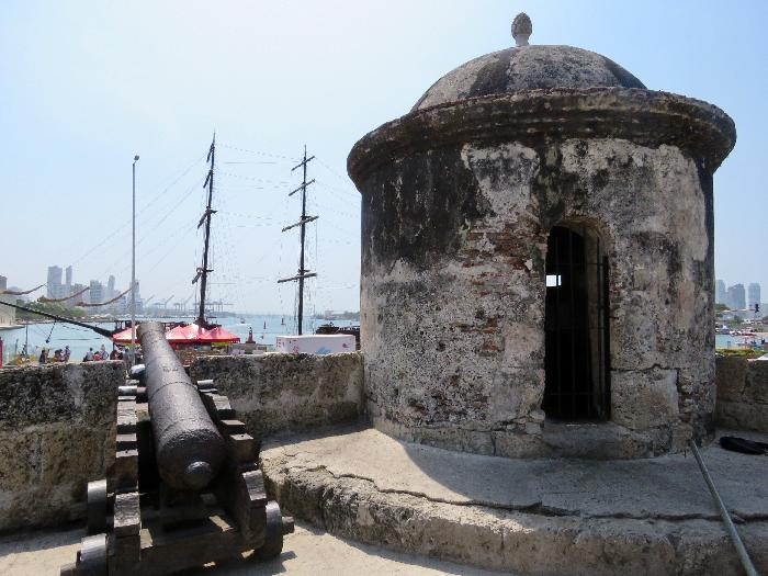 Walk on the Walls surrounding the City of Cartagena