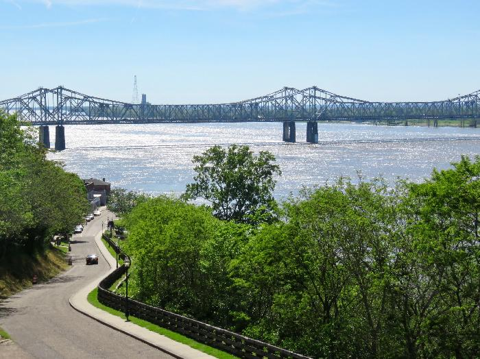 Eyeing the Mississippi River from the Natchez Bluff Trail